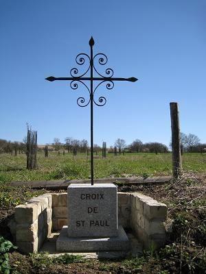 Croix de Saint Paul, route de Guerchy à Villemer, Neuilly