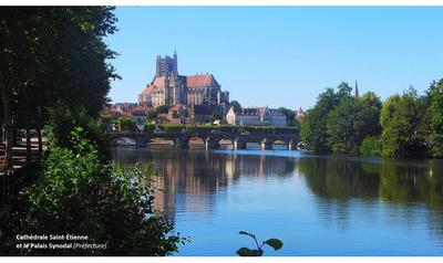 Cathédrale Saint-Étienne.png