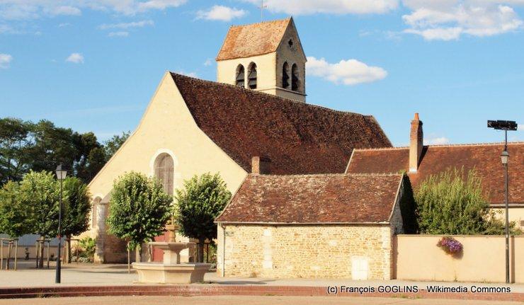 eglise-saint-cyr-et-sainte-julitte-de-moneteau.jpg