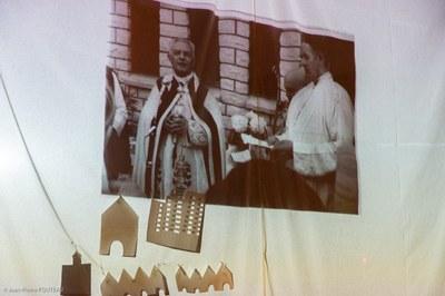 Documentaire de la construction de l'église